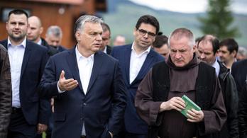 Orbán: Jó napot lányok, hogy vannak!?