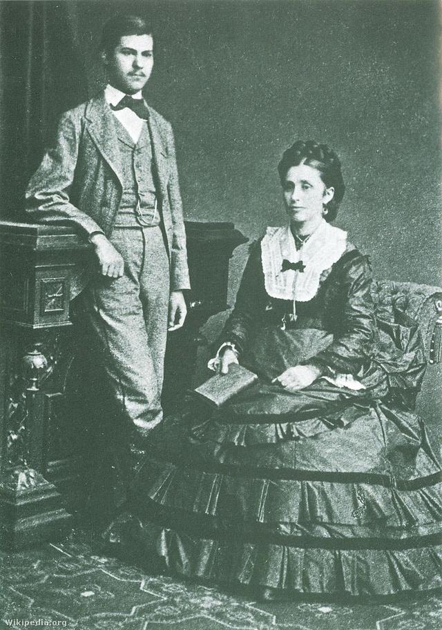 A 16 éves Sigmund Freud édesanyjával, Amáliával (1872)