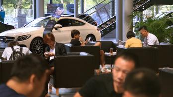 Kína még inkább bevásárolja magát a Mercedesbe