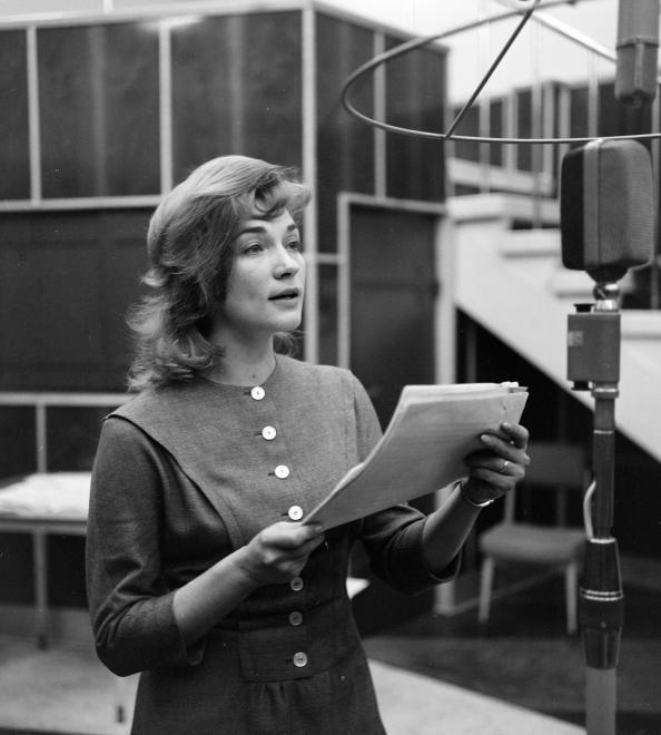 Vass Éva 1963-ban Gábor Andor Doktor Senki című művének rádiójáték-változatában.