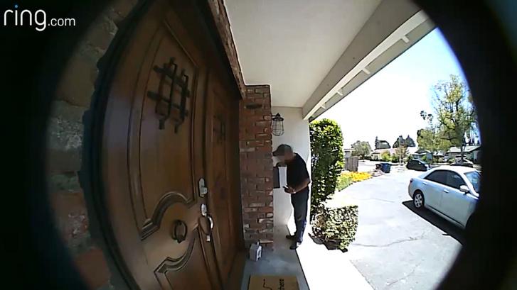 A Ring által üzemeltetetett Neighbors app segítségével rögzített felvétel.