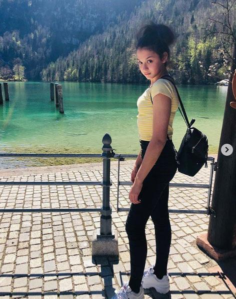 """""""Nagyon szép a lányod"""" - írta az egyik kommentelő ehhez a Pankáról készült fotóhoz Liptai Claudia Instagram-oldalán."""