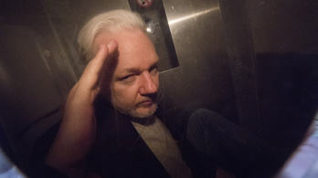 Újra nyomoznak a svédek Assange ügyében