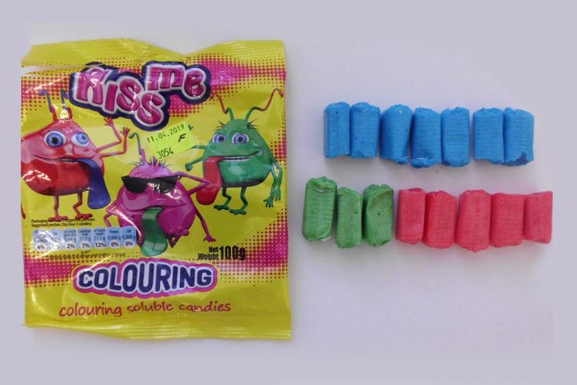 Szabálytalan mennyiségű, hiperaktivitást okozó színezék a cukorkában: a NÉBIH figyelmeztet