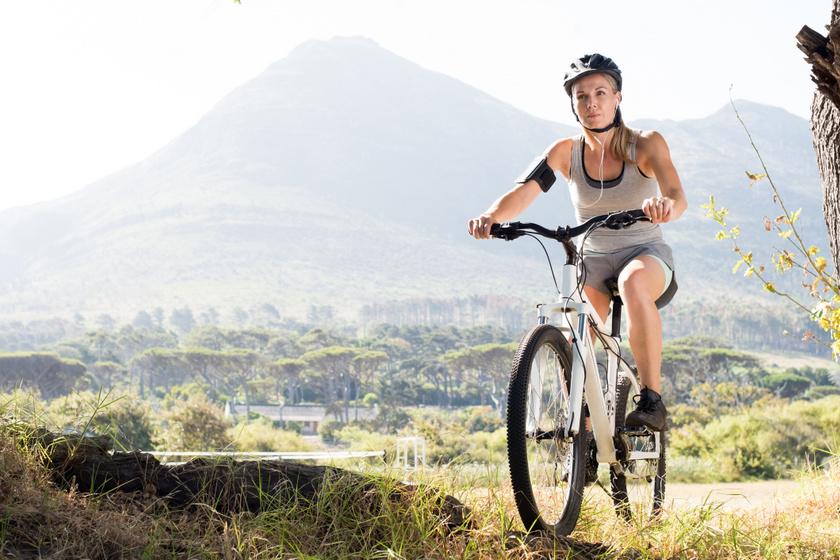 biciklizes szabadban