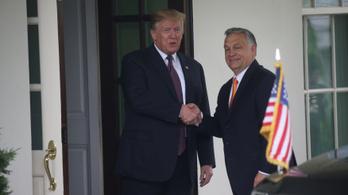 Videón Orbán megérkezése Trumphoz