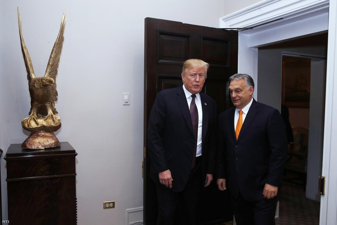 Donald Trump fogadja Orbán Viktor miniszterelnököt a Fehér Házban 2019. május 13-án.