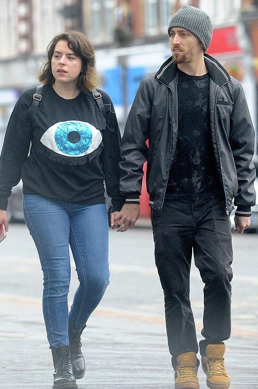 Isabella Cruise és férje, Max Parker.