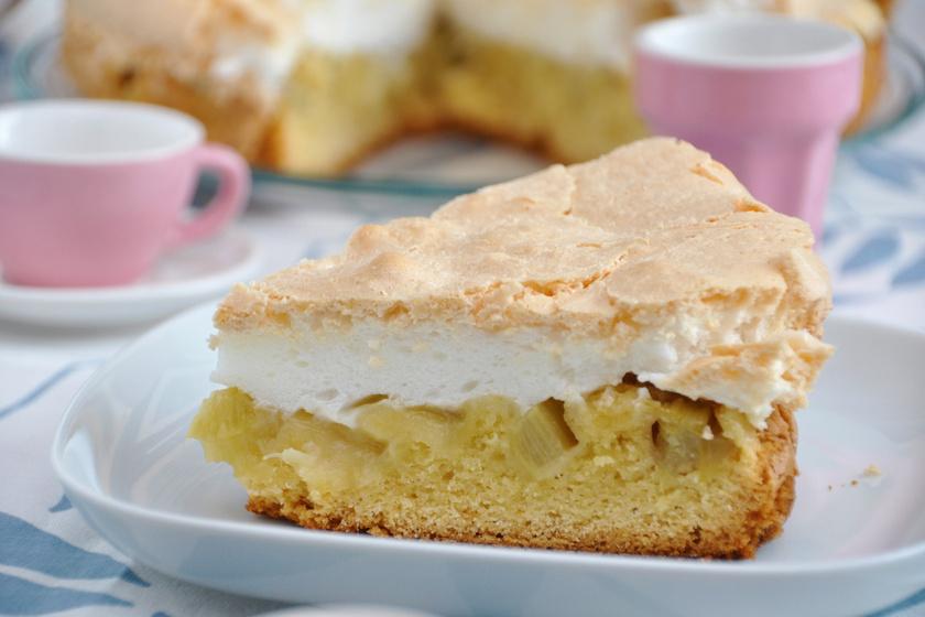 Habos, almás-rebarbarás süti: a tészta egyszerű és finom omlós