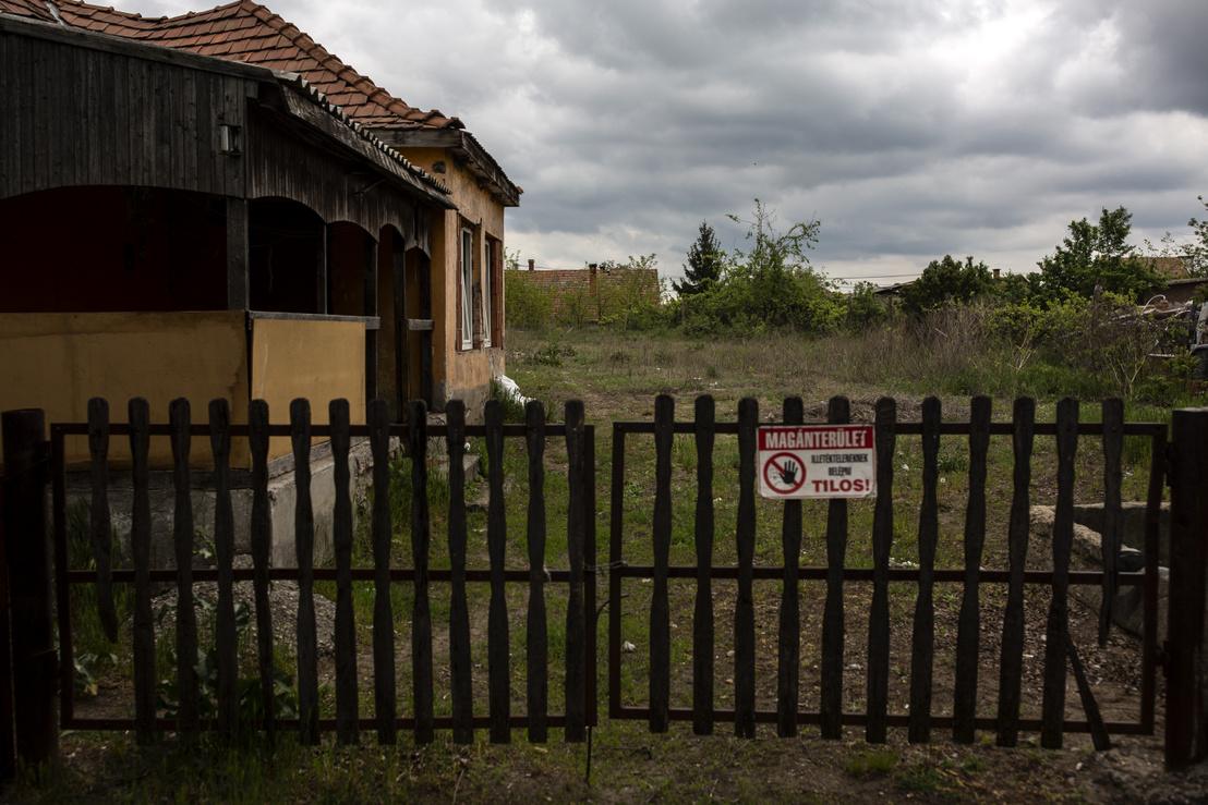 A bírósági ítélet szerint ebben az örkényi házban fogadta a férfiakat egy prostituáltként dolgoztatott 15 éves lány