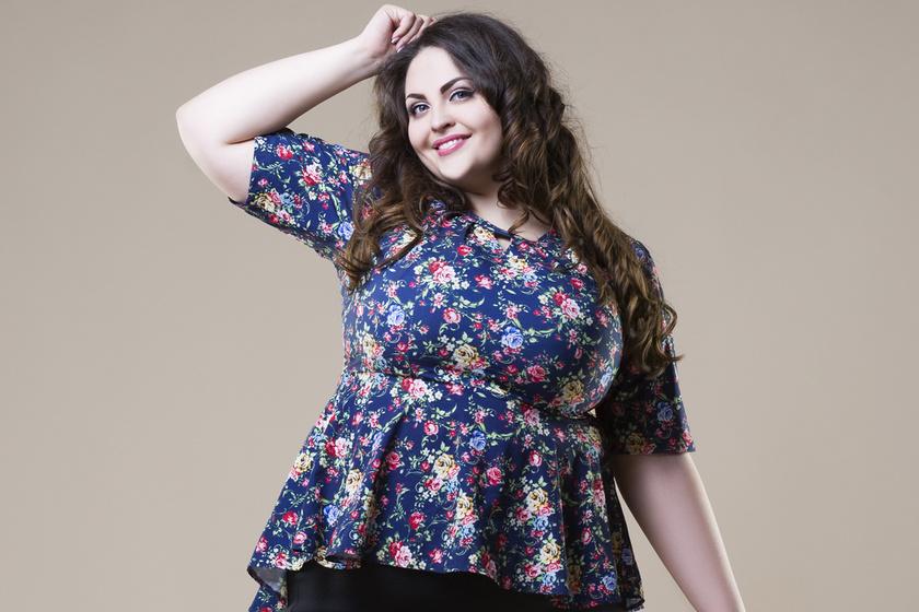 bc8332c15c 10 nőies felső, ha 70 kiló felett vagy: a dús idomokon mutatnak igazán jól