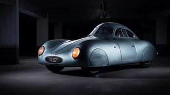 Eladó az első előtti Porsche sportkocsi
