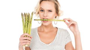 Miért rosszabb a vizeleted szaga, ha spárgát ettél?