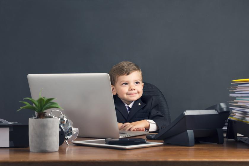 Kell egy óvodás gyereknek tudni olvasni, számolni? Az iskoláskor előtti tanulásról kérdeztük a szakértőt