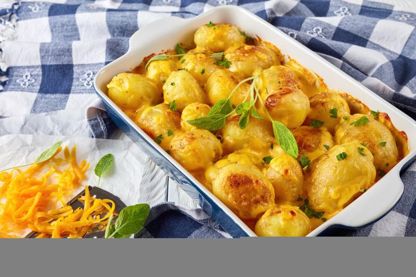 Sajtos-fűszeres újkrumpli sütőben sütve: a legfinomabb köret, amit most készíthetsz