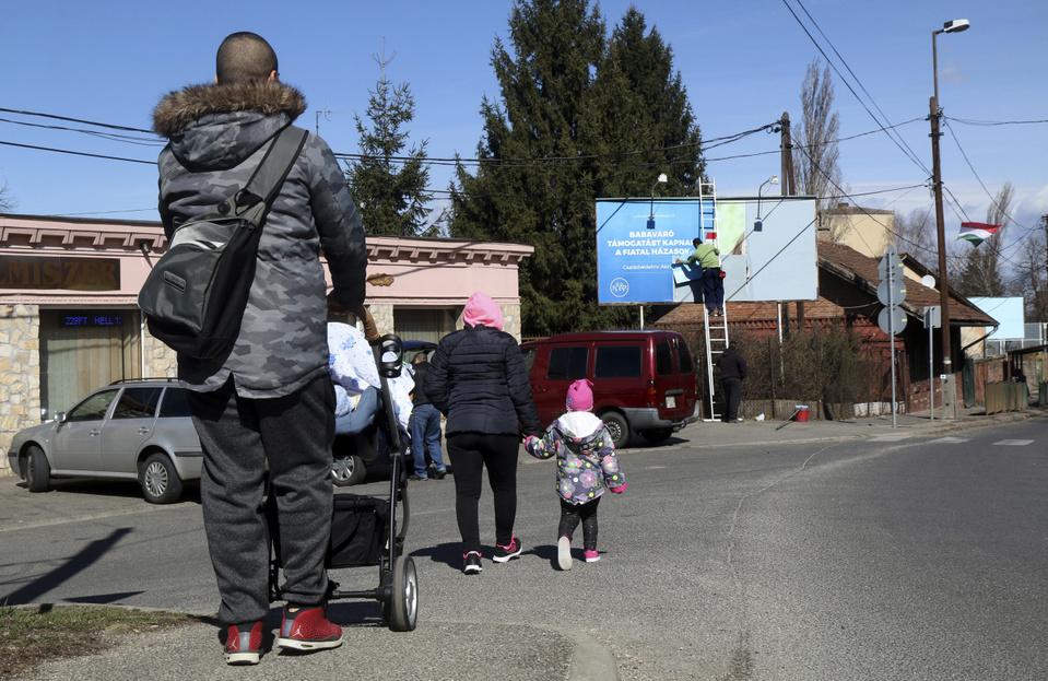 Európai Bizottság: Téves információk keringenek a babaváró támogatás támadásáról