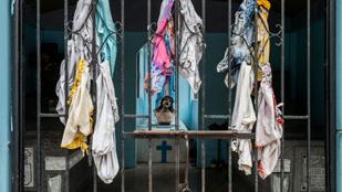 Manilában az élők is beköltöztek a temetőbe