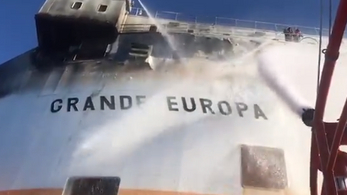 Kigyulladt egy olasz teherhajó Mallorca közelében