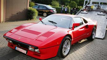 Megtalálták a tesztvezetés során ellopott oldtimer Ferrarit