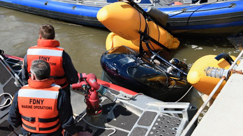 A Hudson folyóba végzett kényszerleszállást egy helikopter