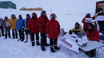 Az ausztrálok az Antarktiszon és a sivatag közepén is szavaznak