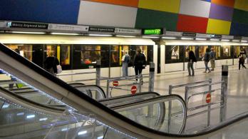Postára sietett a volt BKV-s, ezért állíttatta le a metrót