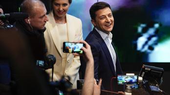 Hétfőn beiktatják Zelenszkijt Ukrajna új elnökének