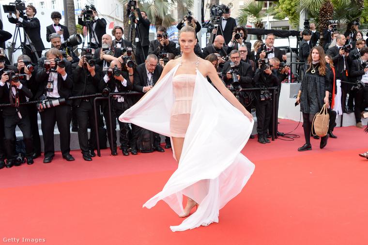 De Nadine Leopold osztrák modell szintén fellebbentette, amit csak lehetett.