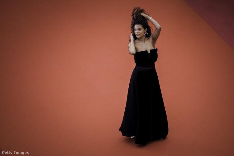 Tina Kunakey egy modell, aki arról a leghíresebb, hogy ő Vincent Cassel felesége