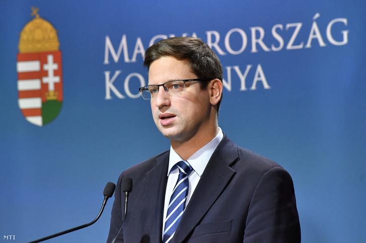 Gulyás Gergely Miniszterelnökséget vezető miniszter a Kormányinfó sajtótájékoztatón a Miniszterelnöki Kabinetiroda Garibaldi utcai sajtótermében 2019.május 16-án.