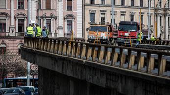 Eldőlt: elbontják a Nyugati téri felüljárót