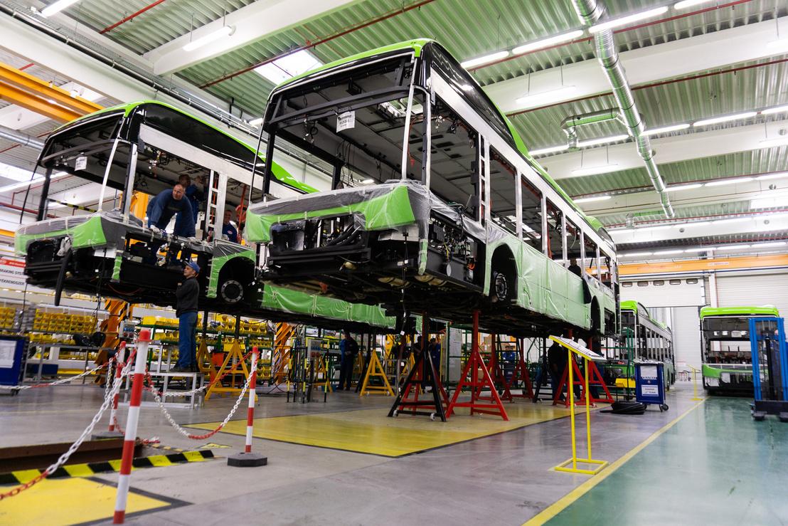 Aki robotokra számított, az csalódni fog: ilyesmi itt  nincs, nem is nagyon divat a buszgyártásban mifelénk