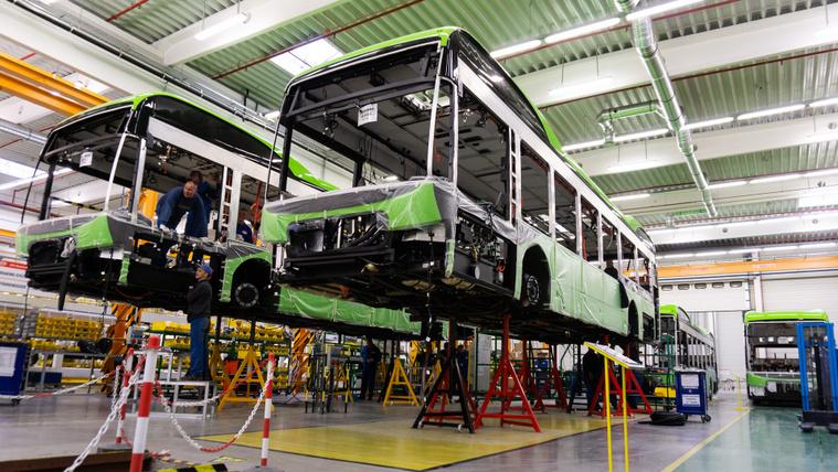 Magyarok gyártják a kínaiak piacvezető e-buszait