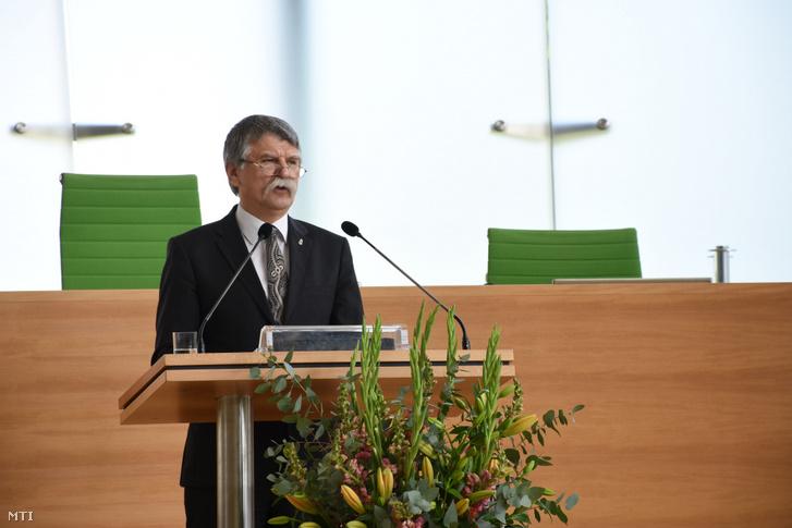 Az Országgyűlés Sajtóirodája által közreadott képen Kövér László, az Országgyűlés elnöke beszél a Szászország tartományi parlament Merre tartasz Közép-Európa? című konferenciáján Drezdában 2019. május 17-én.