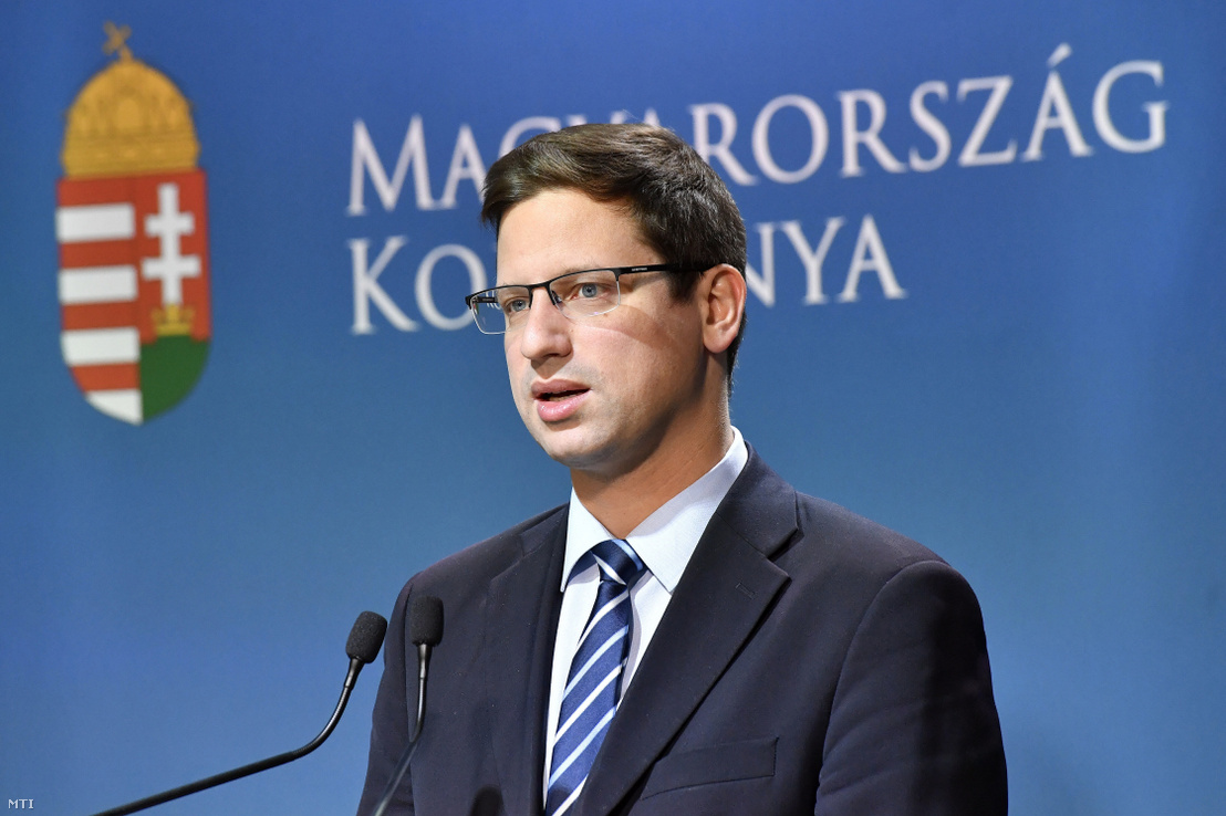 Chief of staff Gergely Gulyás at his weekly press conference on 16 May 2019.