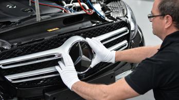 Több Mercedest érinthet a Daimler dízelbotránya a korábban jelzettnél