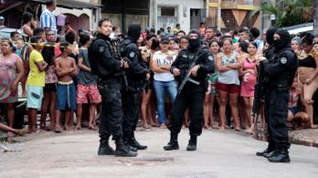 Tizenegy embert mészároltak le egy brazil bárban