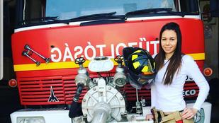 Ez a Csongrád megyei tűzoltólány a fegyverekkel is jól bánik