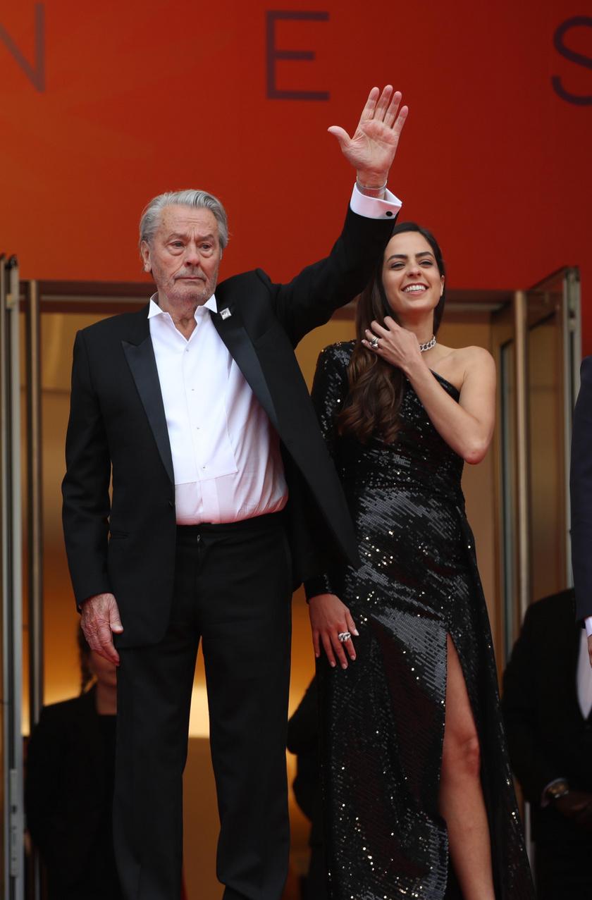 Alain Delon kísérője nem más volt, mint gyönyörű lánya, Anouchka.