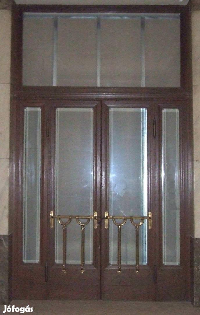 Regi fabol keszult ajto 210 cm szeles  264 cm magas tokkal egyut