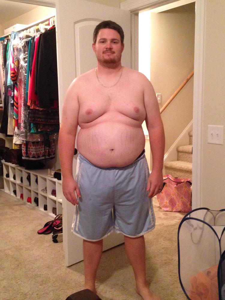 Fogyása előtt annyira zavarta a teste Corey-t, hogy a strandra csak pólóban mert menni