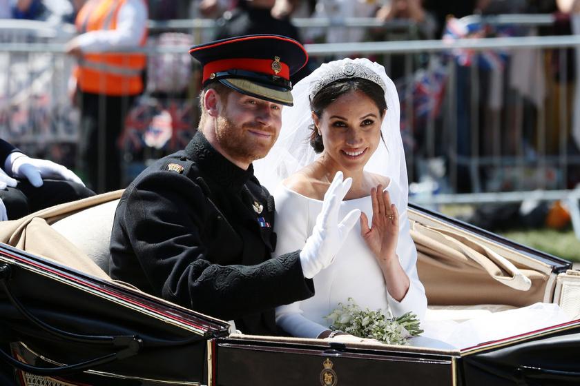 Meghan és Harry első évfordulója: sosem látott képeket osztottak meg az esküvőről