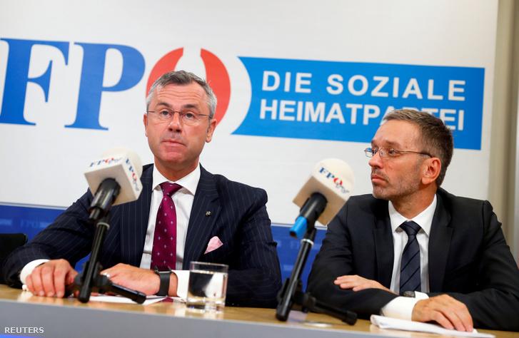 Norbert Hofer (balra) és Herbert Kickl sajtótájékoztatója Bécsben 2019. május 20-án