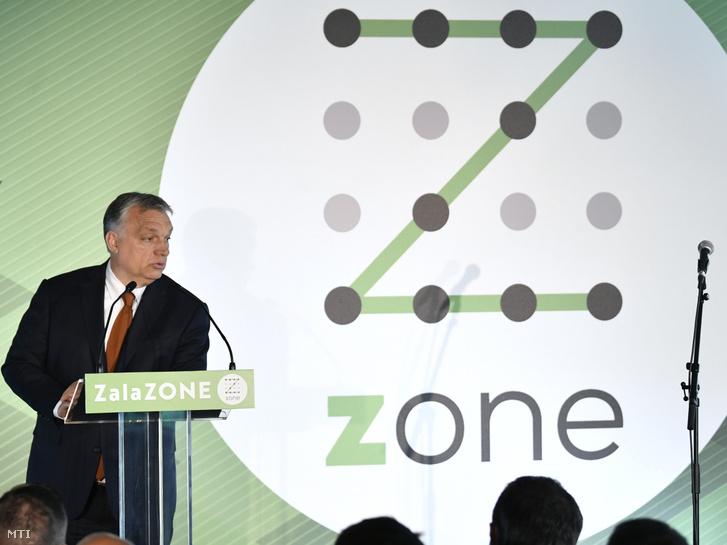 Orbán Viktor miniszterelnök beszédet mond a ZalaZone Zalaegerszegi Járműipari Tesztpálya első ütemének átadásán 2019. május 20-án