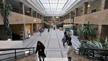 Megint óriásit nőtt a kórházak adóssága