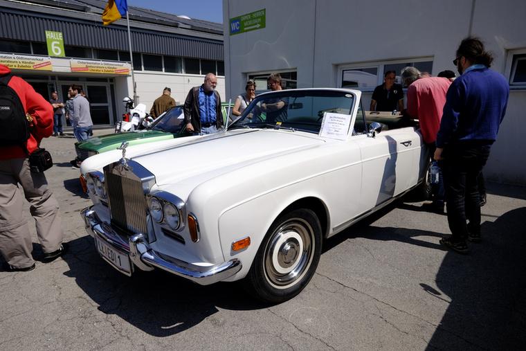Ahhoz képest, hogy szuperluxus, hogy régi és Rolls-Royce, nem is került sokba ez a Corniche 30 ezerért