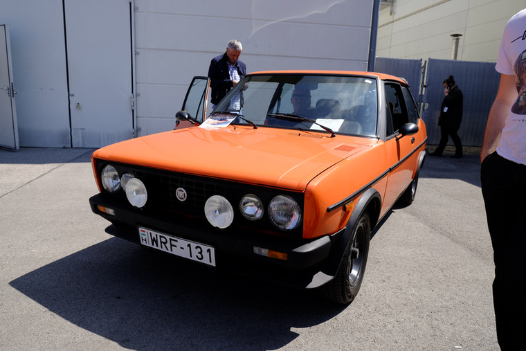 Egy rendes Walter Röhrl Edition Fiat 131-es fullra restaurálva