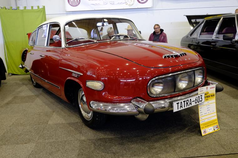 Az autó, ami nem létezhet: Tatra 603/1 még a három fényszóróval