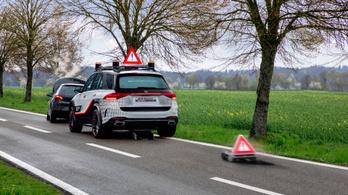 Új biztonsági tanulmányt készített a Mercedes
