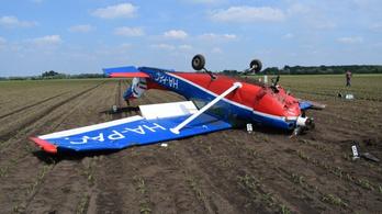 Öten sérültek meg a Börgöndön kényszerleszállást végrehajtó repülőn